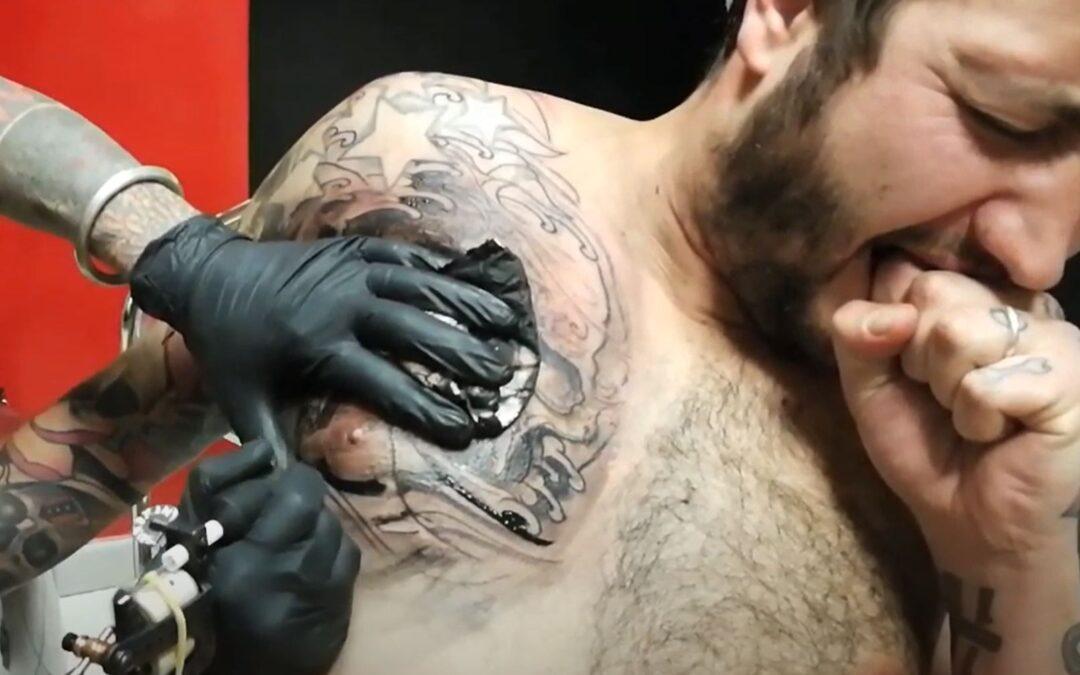Esiste una pomata o un metodo per sentire meno dolore quando si fa un tatuaggio?